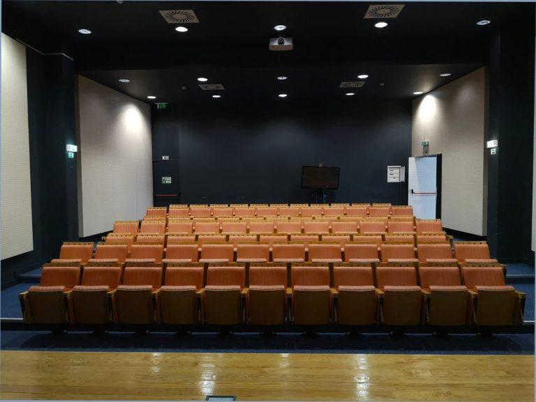 auditório sala de aula escola de aviação